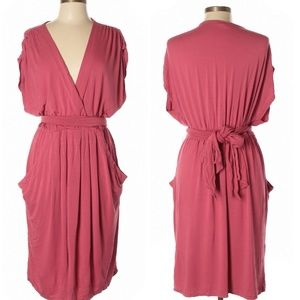 Casual coral v-neck dress with pockets!